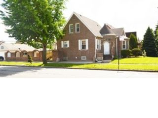 4 BR,  4.50 BTH Single family style home in Wilmette
