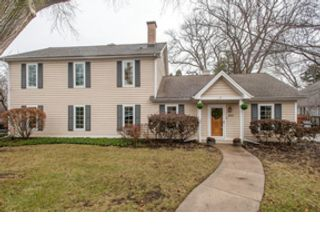 3 BR,  3.50 BTH Ranch style home in Lisle