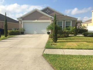 6 BR,  2.50 BTH Multi-family style home in Hodgkins