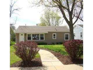 2 BR,  1.50 BTH Single family style home in Lisle