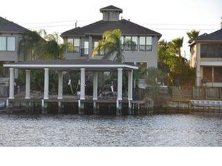 3 BR,  2.50 BTH Mediterranean style home in Seabrook