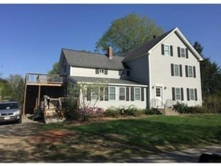 5 BR,  2.50 BTH Colonial style home in Bedford