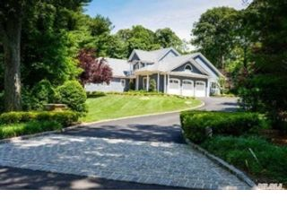 4 BR,  4.00 BTH Traditional style home in Port Jefferson