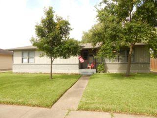 4 BR,  3.50 BTH Single family style home in Sandia