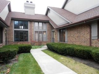 4 BR,  2.50 BTH  Single family style home in Oak Lawn