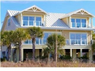 5 BR,  5.50 BTH  Single family style home in Mexico Beach