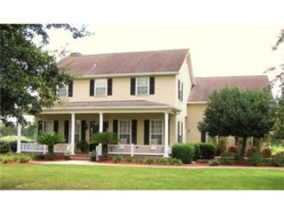 5 BR,  4.50 BTH Single family style home in Dade City