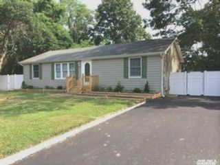 2 BR,  2.00 BTH  Condo style home in Baiting Hollow