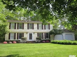 3 BR,  2.00 BTH  Ranch style home in Moriches