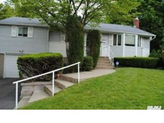 3 BR,  2.00 BTH  Ranch style home in Commack