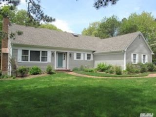 3 BR,  2.50 BTH Cape cod style home in Baiting Hollow