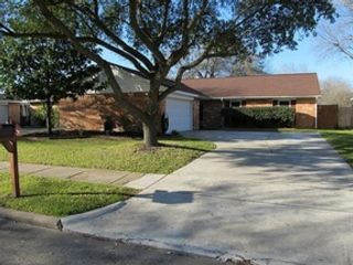 4 BR,  3.50 BTH Traditional style home in Seabrook