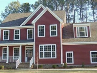 4 BR,  2.50 BTH Contemporary style home in Suffolk