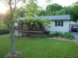 4 BR,  1.00 BTH Single family style home in Harrisburg