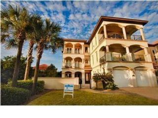 5 BR,  5.50 BTH Mediterranean style home in Miramar Beach