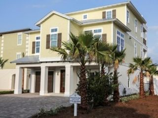 7 BR,  6.00 BTH  Contemporary style home in Destin