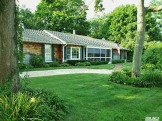 3 BR,  1.50 BTH Ranch style home in Brookhaven