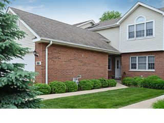 4 BR,  3.50 BTH  Single family style home in Downers Grove