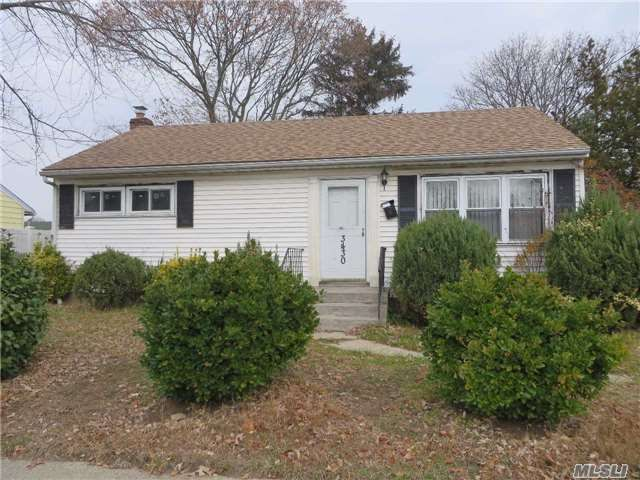 [Amityville Real Estate, listing number 3000472]