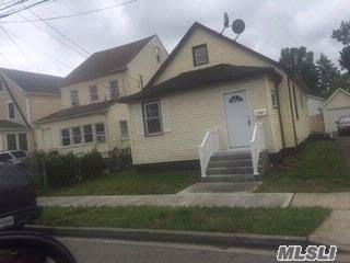 4 BR,  1.00 BTH Raised ranch style home in Hempstead