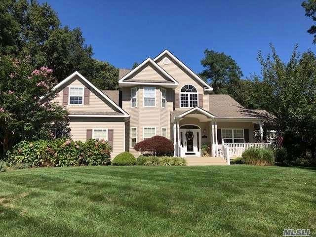 4 BR,  2.50 BTH  Farm ranch style home in Stony Brook