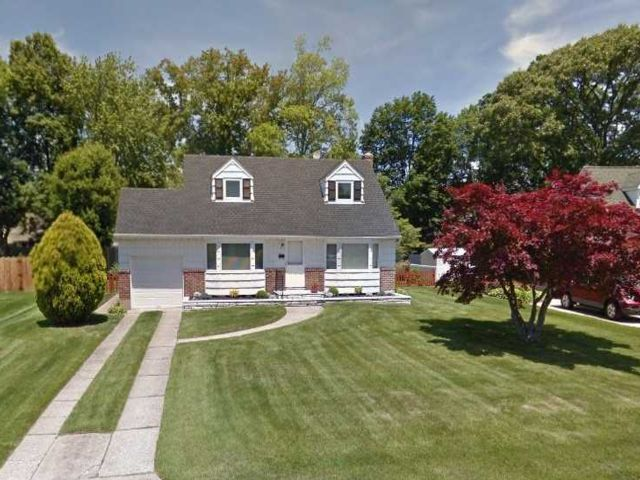 [Commack Real Estate, listing number 3006838]