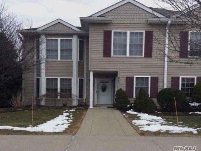 2 BR,  1.50 BTH Condo style home in Melville