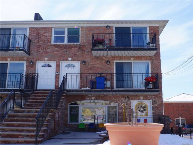 7 BR,  5.50 BTH Store+dwell style home in Flushing