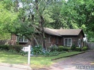 3 BR,  1.00 BTH Ranch style home in Smithtown