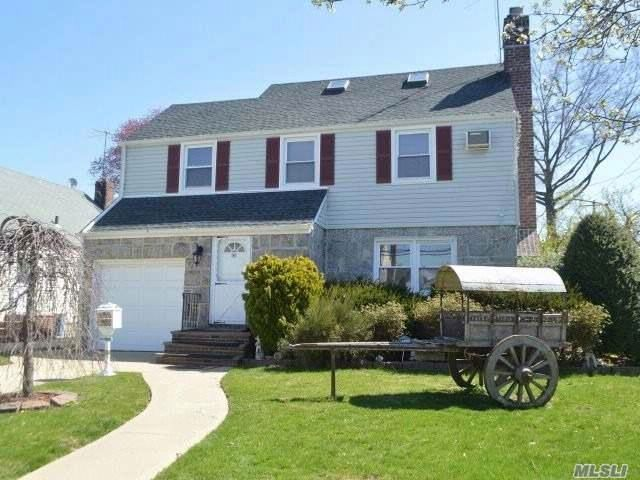4 BR,  2.50 BTH Colonial style home in New Hyde Park
