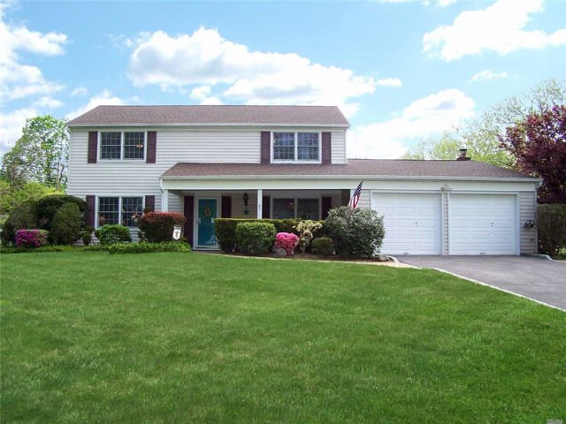 3 BR,  2.50 BTH Colonial style home in Stony Brook