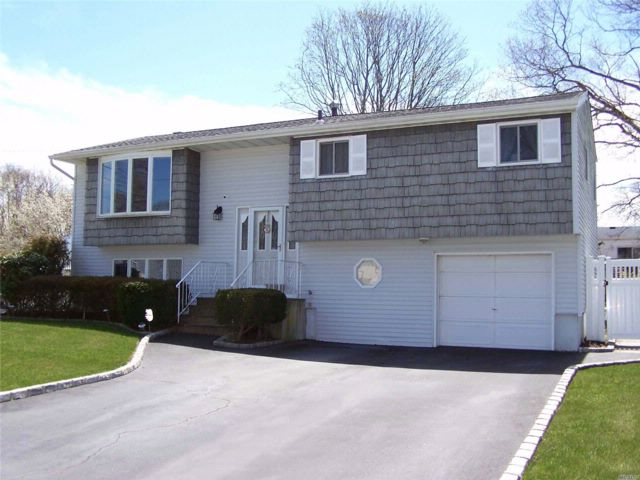 4 BR,  1.50 BTH  Hi ranch style home in Port Jefferson Station