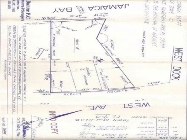 Lot <b>Size:</b> 73 X 117  Land style home in Lawrence