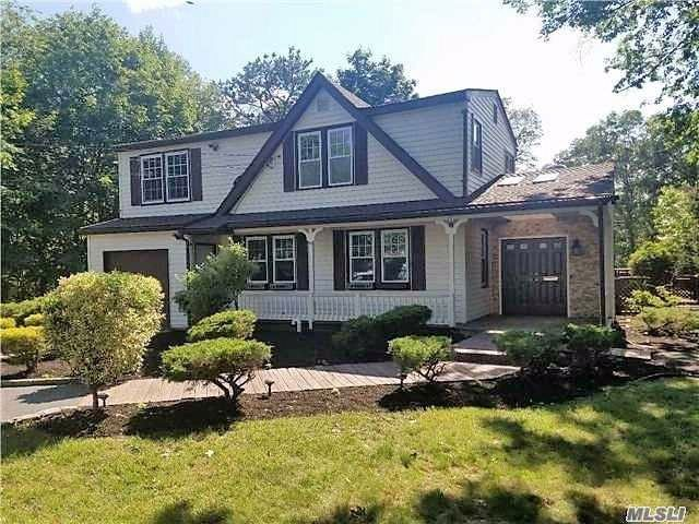 4 BR,  3.50 BTH Colonial style home in Central Islip