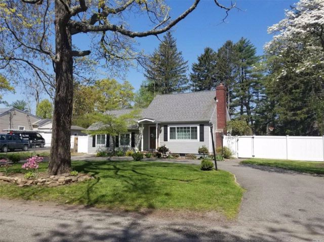 3 BR,  2.00 BTH Cape style home in Wheatley Heights
