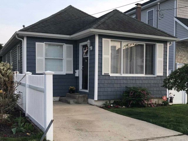 2 BR,  1.00 BTH Ranch style home in Seaford