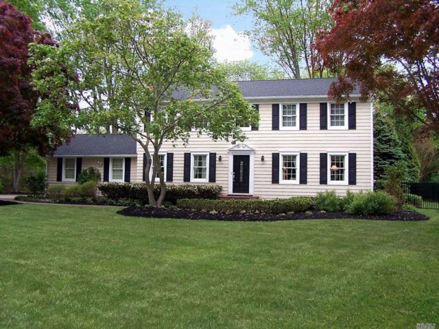 5 BR,  2.50 BTH Colonial style home in Stony Brook