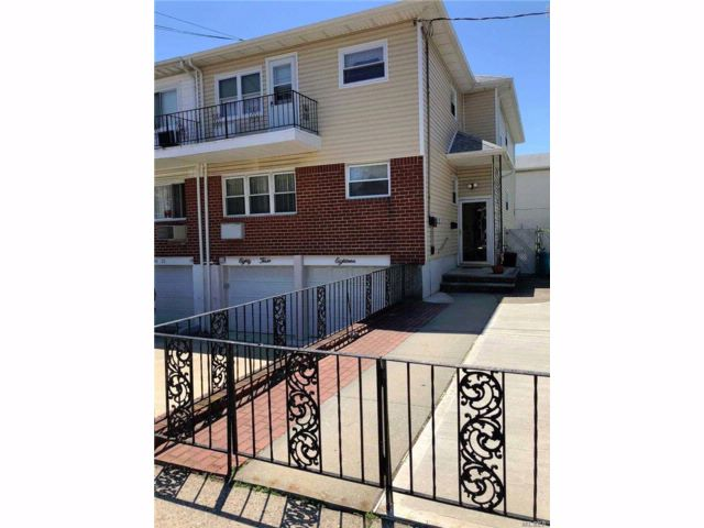 [Howard Beach Real Estate, listing number 3015832]