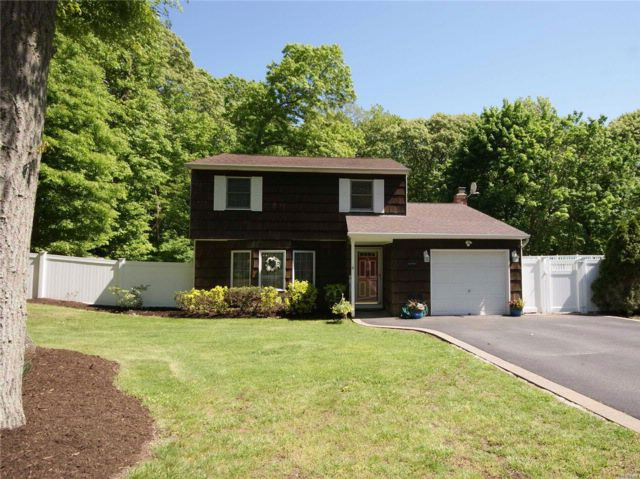 3 BR,  1.50 BTH  Colonial style home in Setauket