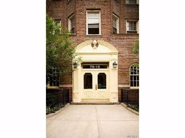 2 BR,  2.00 BTH Condo style home in Jackson Heights