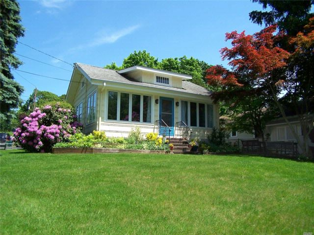 2 BR,  1.00 BTH  Ranch style home in Setauket