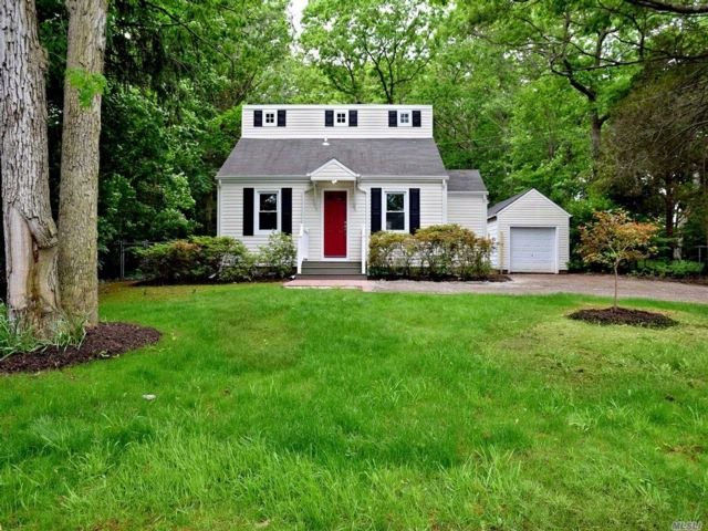 3 BR,  2.00 BTH Colonial style home in Nesconset