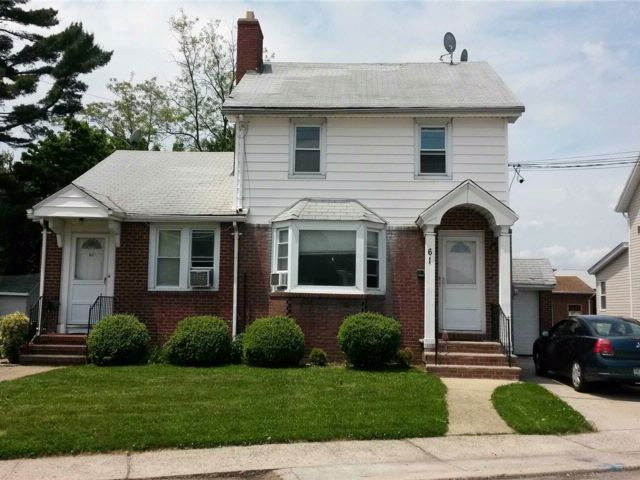 5 BR,  3.00 BTH Colonial style home in Franklin Square