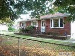 3 BR,  2.50 BTH  Ranch style home in East Meadow