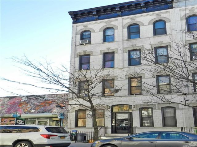 10 BR,  8.00 BTH  Other style home in Bushwick