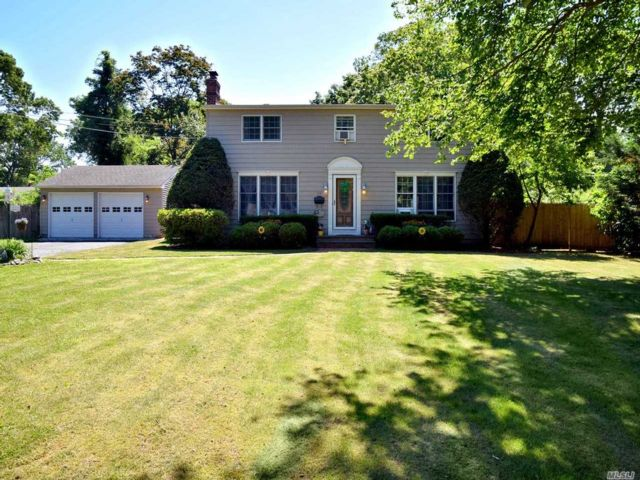 3 BR,  2.00 BTH Colonial style home in East Patchogue