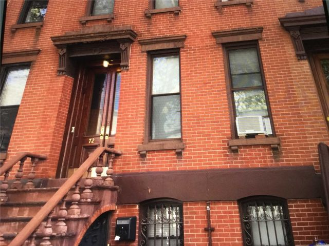 6 BR,  3.50 BTH  Townhouse style home in Williamsburg