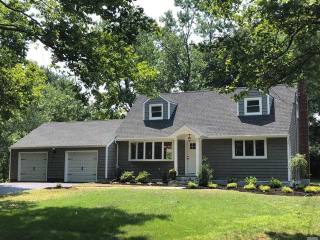4 BR,  2.00 BTH  Exp cape style home in East Northport