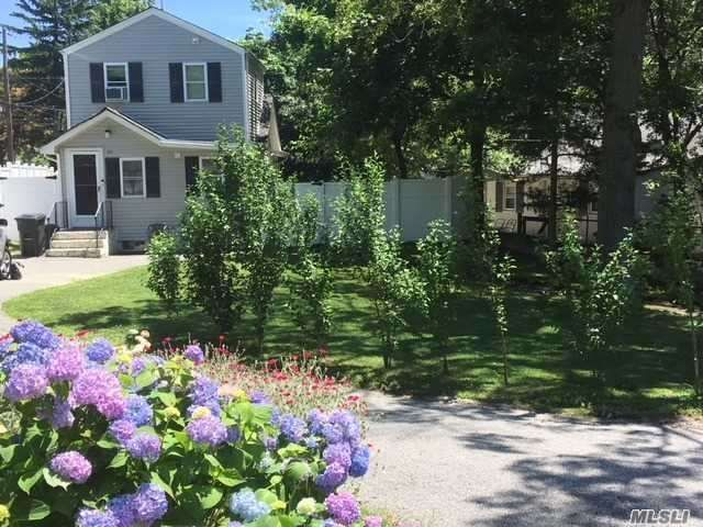 2 BR,  2.00 BTH  Colonial style home in Sound Beach