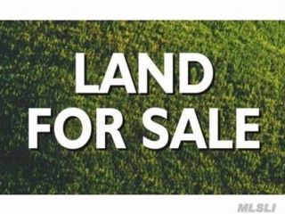 Lot <b>Size:</b> .56  Land style home in Smithtown
